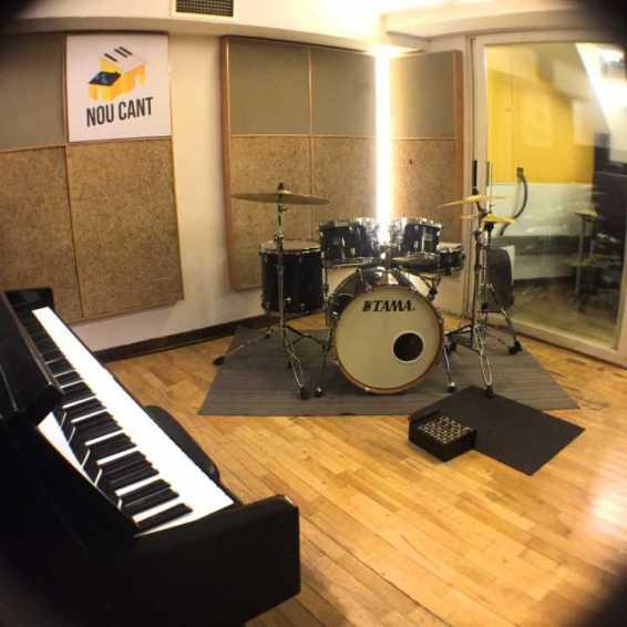 Studio live music